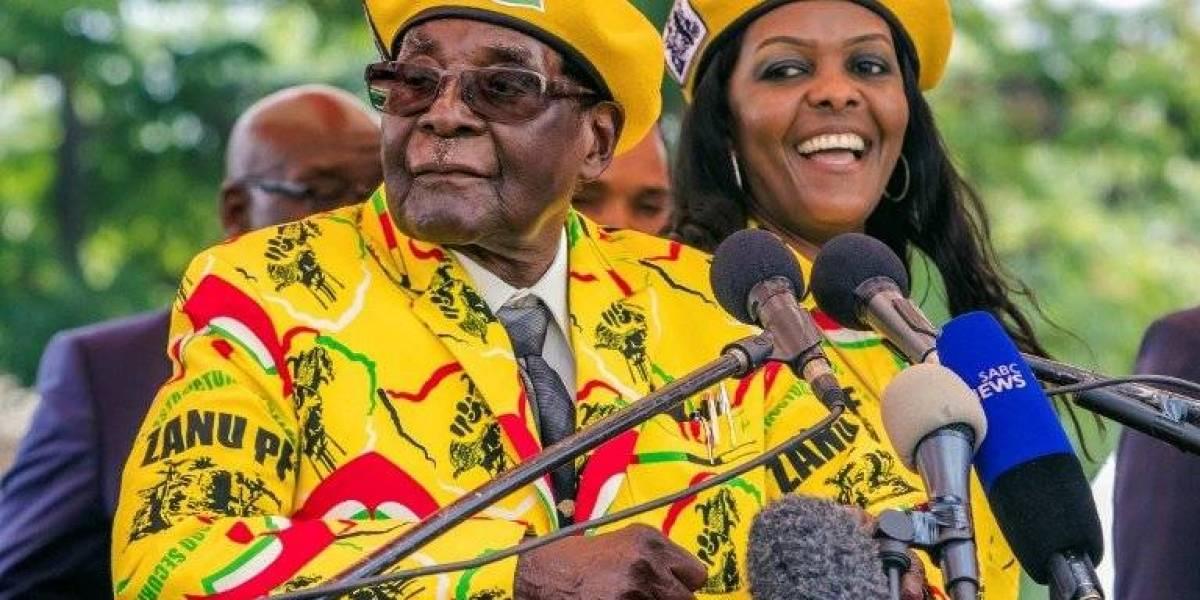 Zimbabue: partido gobernante destituye al presidente Mugabe y expulsa a su esposa
