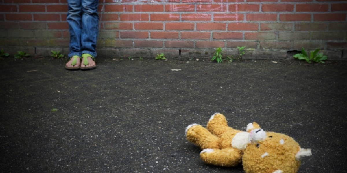 11 familiares violan a seis hermanas en Argentina