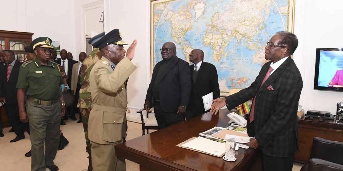 Robert Mugabe pierde poder en Zimbabue; lo expulsan de partido gobernante