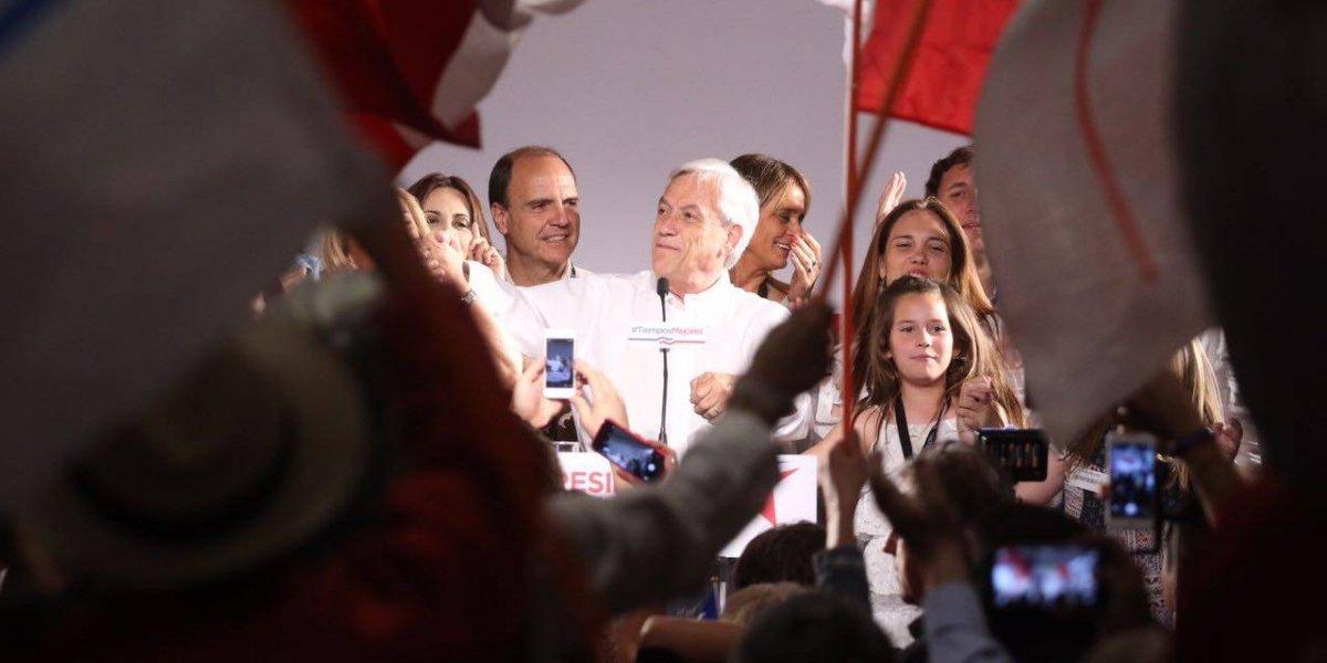 De la pena al nerviosismo extremo: El carrusel de emociones del comando de Piñera