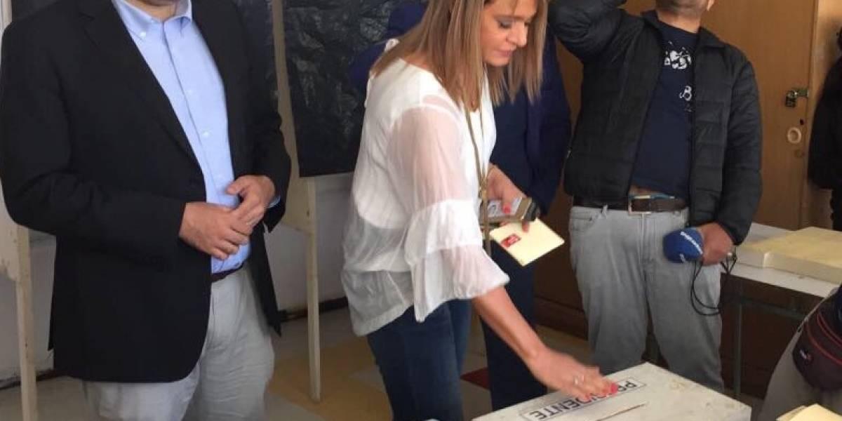 Elecciones 2017: Jacqueline van Rysselberghe llega a votar y vocales de mesa se niegan a atenderla
