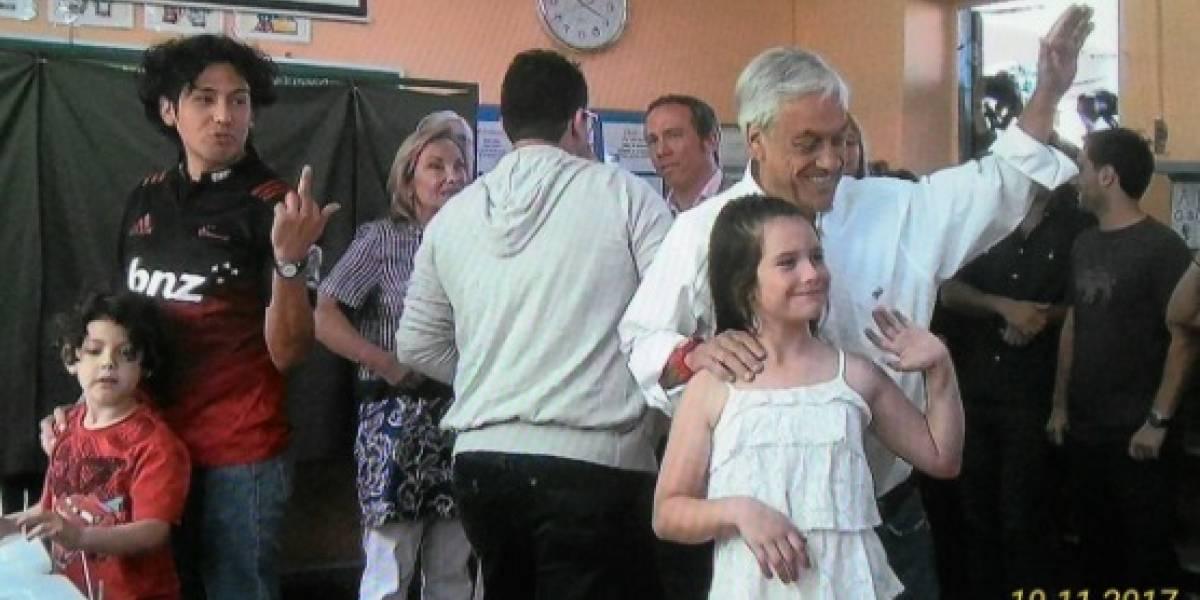 No lo quería mucho al parecer: el gesto de votante a Piñera que se viralizó en redes sociales