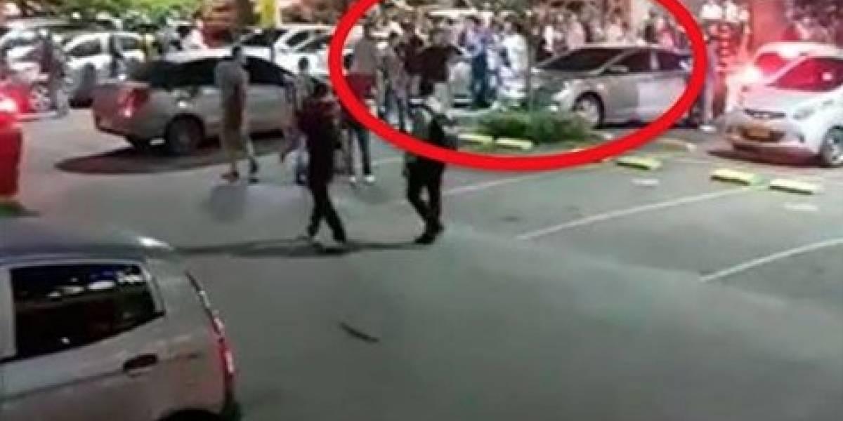 Estudiantes de prestigiosa universidad protagonizan desorden en centro comercial