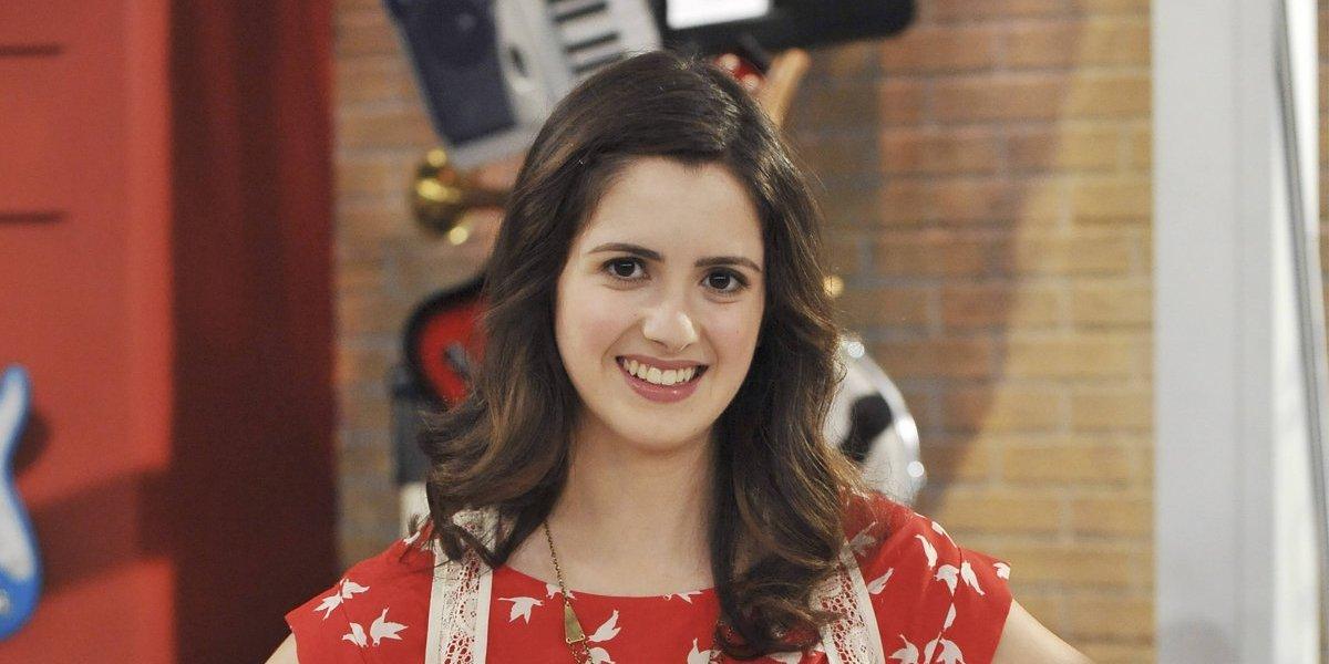 Estrella de Disney Channel deslumbra con escotado vestido en los AMAs