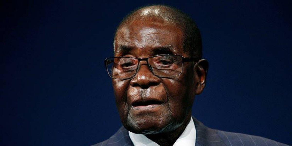 Mugabe no acepta salir de la presidencia y llama a la normalidad de su nación