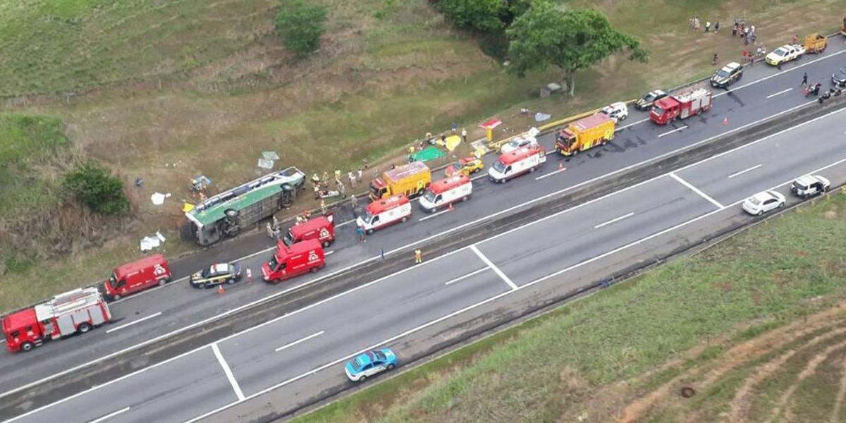 Acidente com ônibus na Região Metropolitana do Rio deixa três mortos
