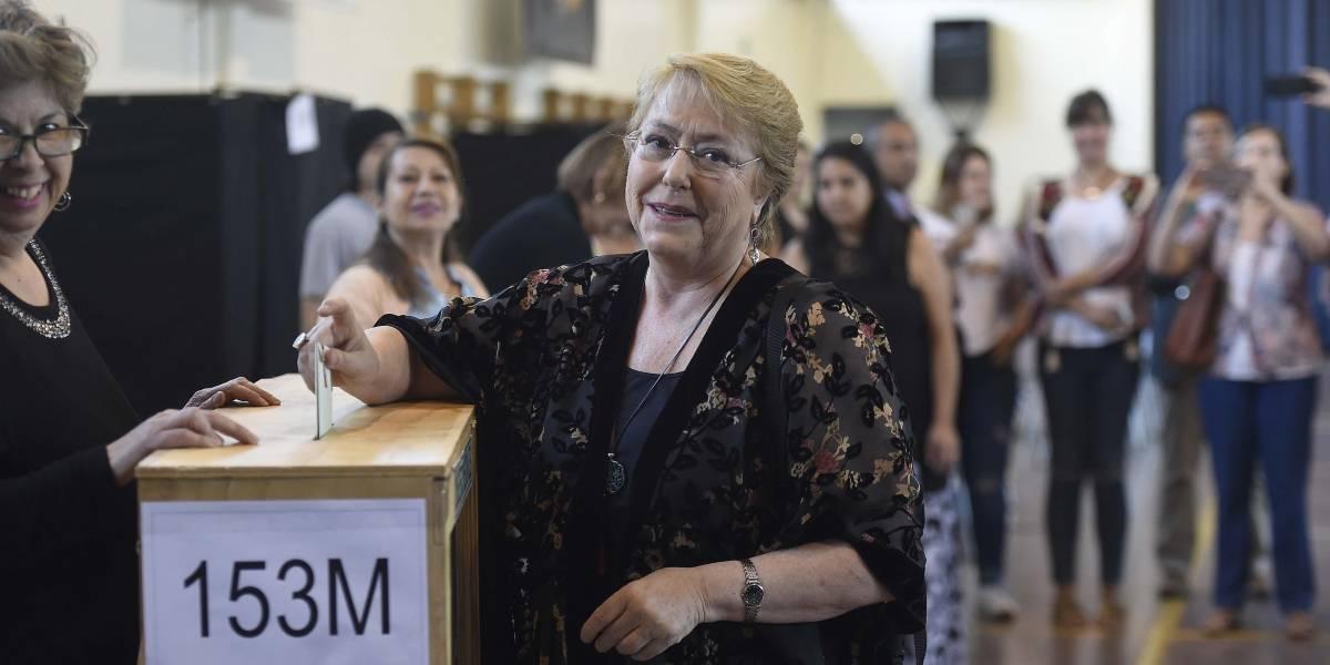 Chilenos residentes en el extranjero votan por primera vez en unas presidenciales