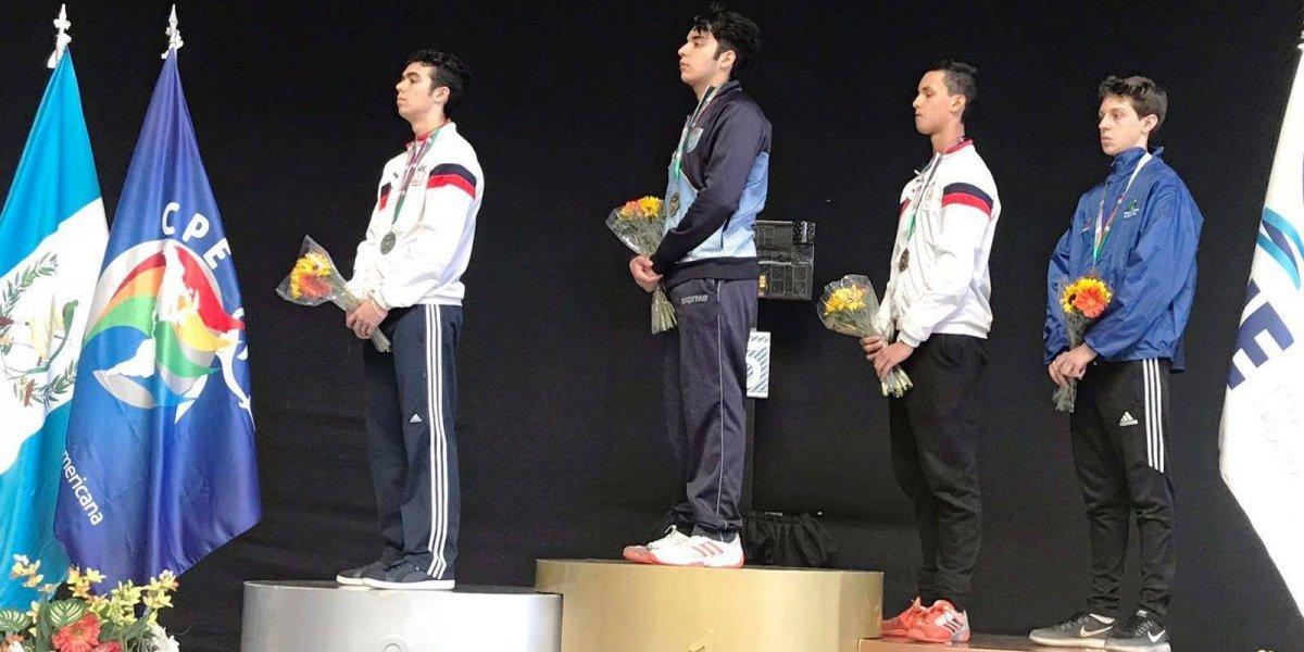 Boricuas ganan medallas en la Copa del Mundo Juvenil de Florete