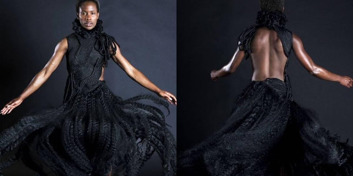 Artista convierte sus trenzas de pelo en impresionante vestido