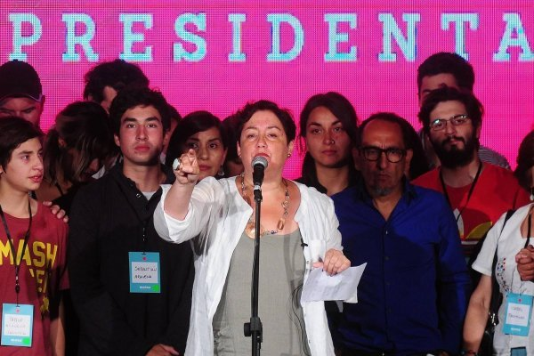 La candidata del Frente Amplio tuvo un duro mensaje contra las encuestas / imagen: Agencia UNO