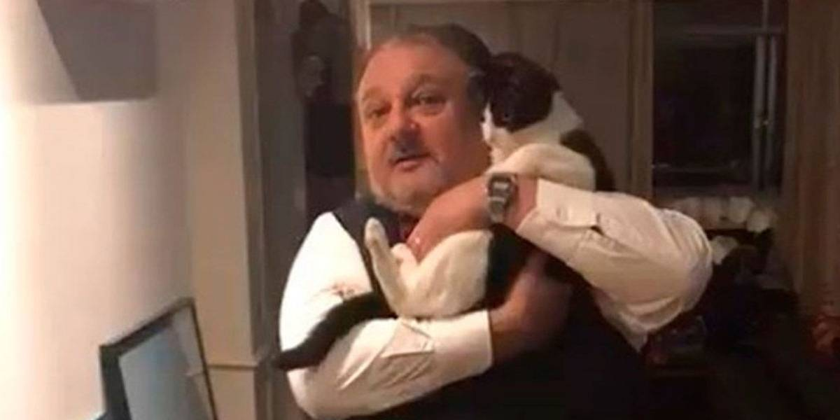 Erick Jacquin faz campanha de adoção de gatinhos ao lado de Tompero