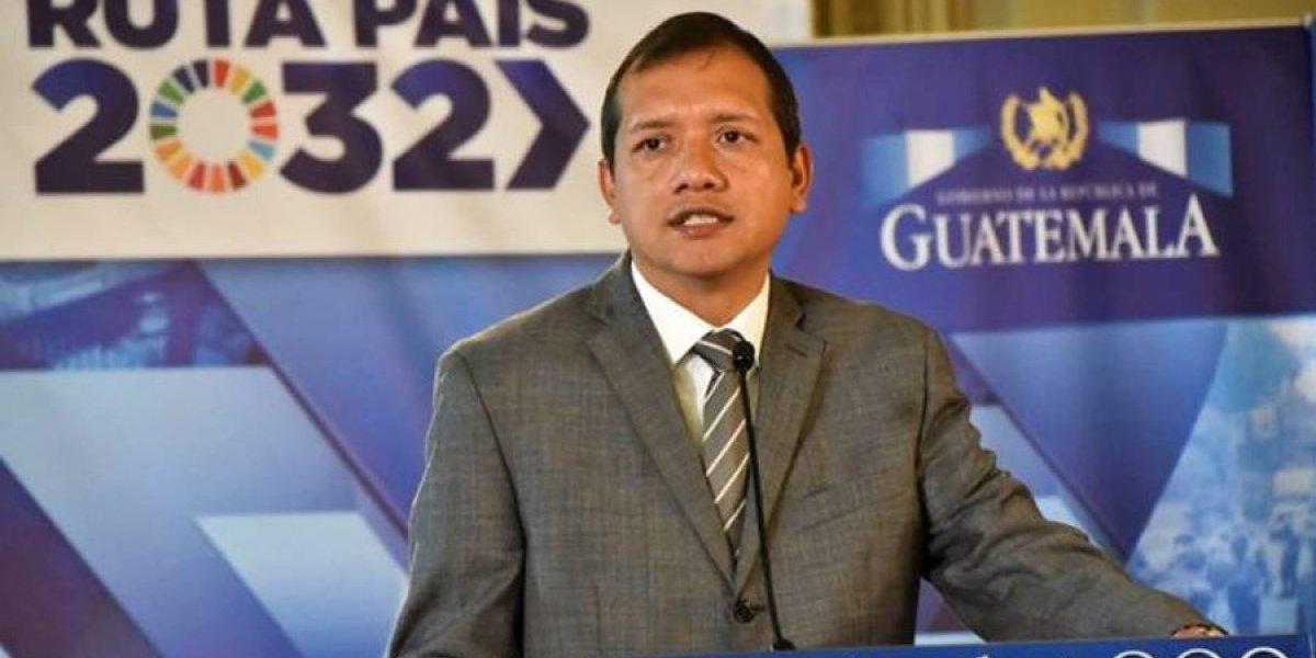 Presidente acepta renuncias del ministro de Gobernación Francisco Rivas y dos viceministros