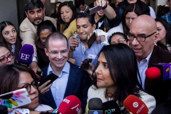 Entrevista realizada al término del registro ante el INE del Frente Ciudadano por México.
