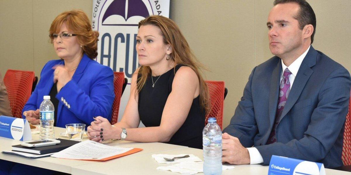 Keleher se reúne con representantes College Board y presidentes de universidades