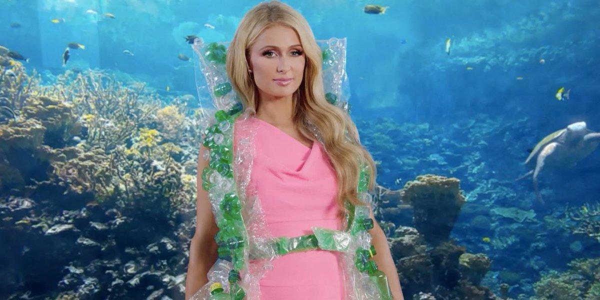Por estas fotos, Paris Hilton dice que hace 11 años inventó la selfie