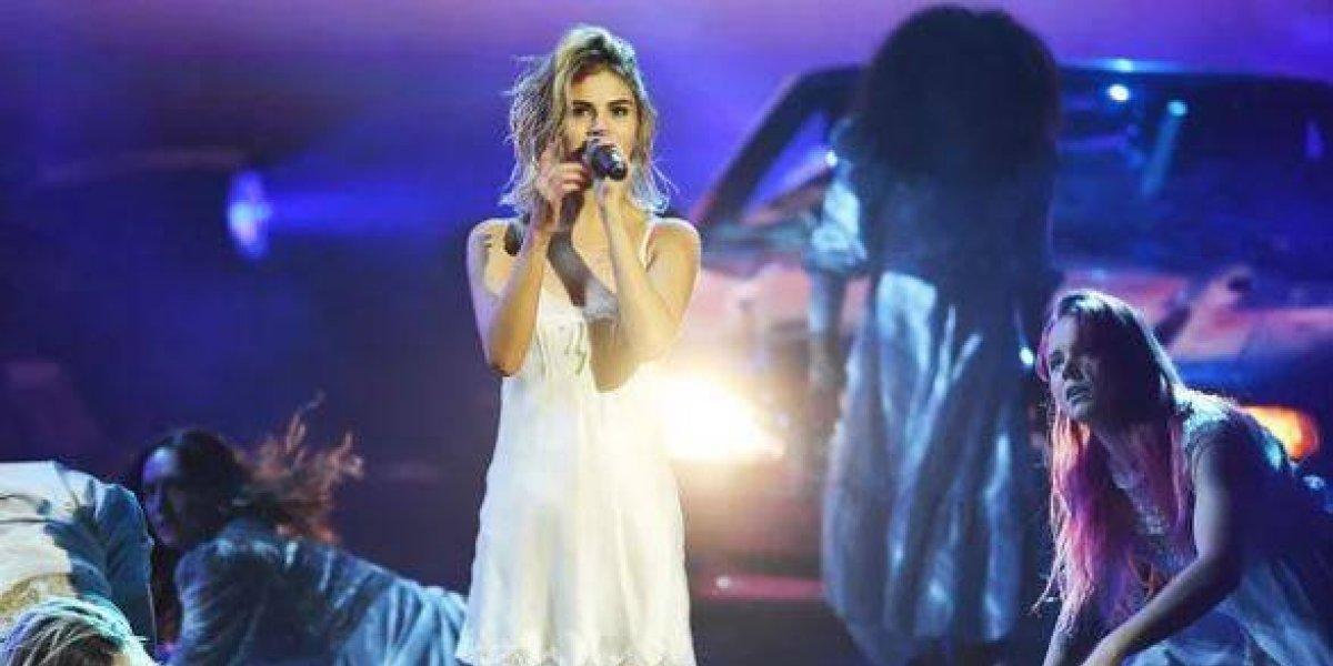 Luis Fonsi gana dos premios AMAS y Shakira es elegida la artista latina favorita