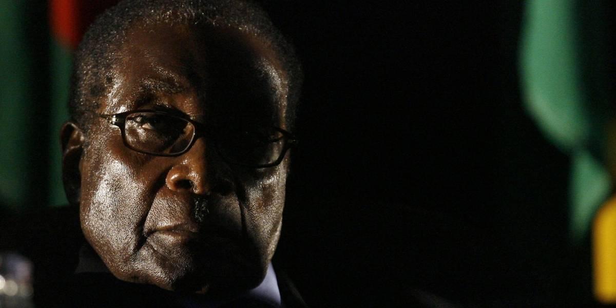 Zimbabue: renuncia el presidente Mugabe