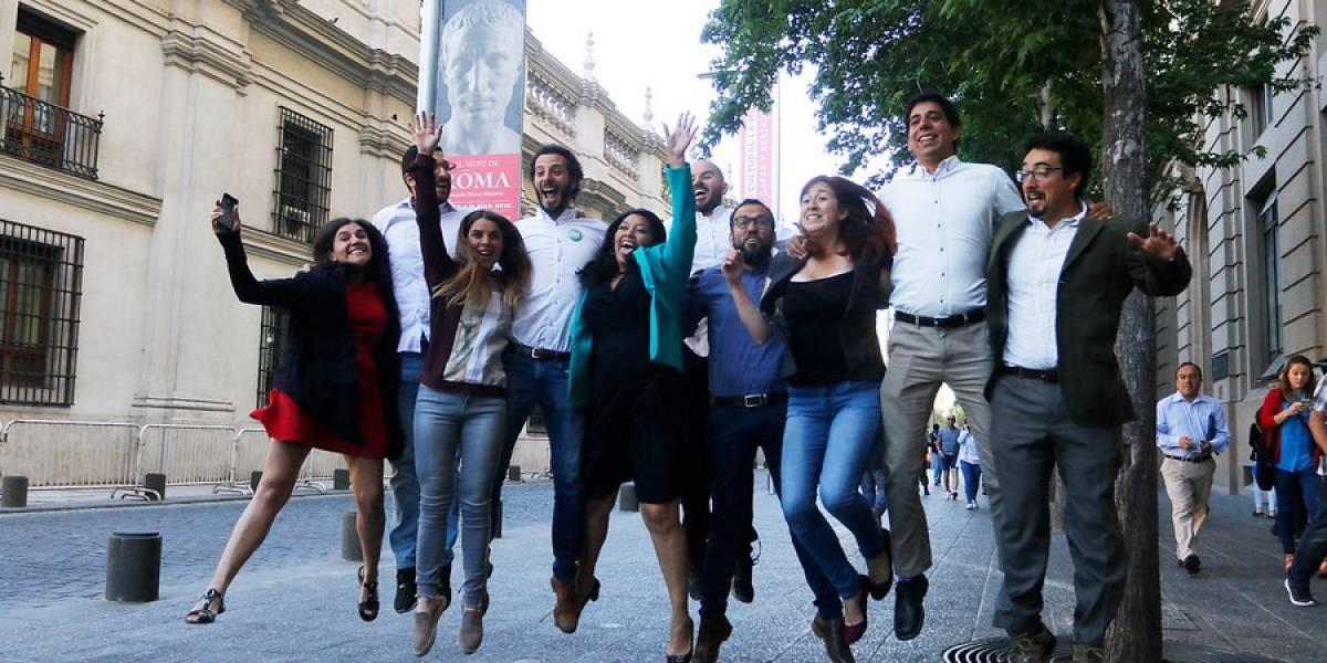 Revolución Democrática festeja positiva cosecha parlamentaria y analiza sus pasos hacia la segunda vuelta