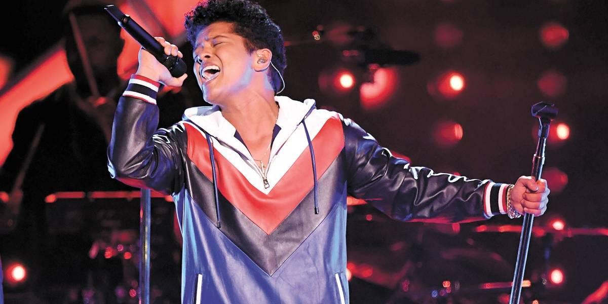 Depois de incendiar o Rio, Bruno Mars faz show em São Paulo