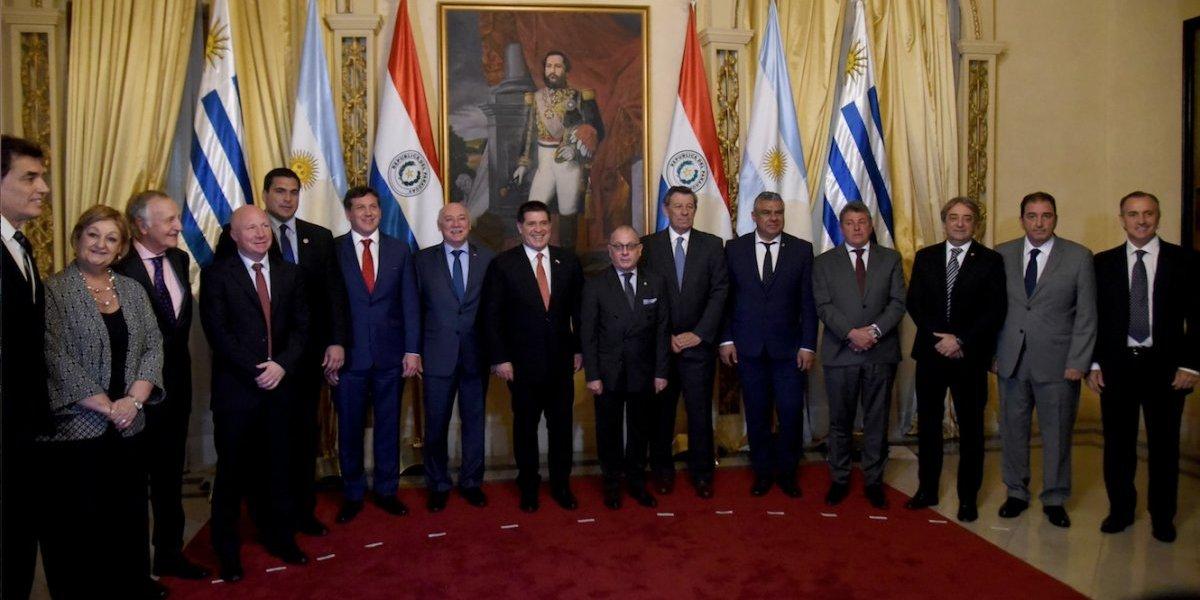 Argentina, Uruguay y Paraguay firman acuerdo para trabajar por el Mundial 2030