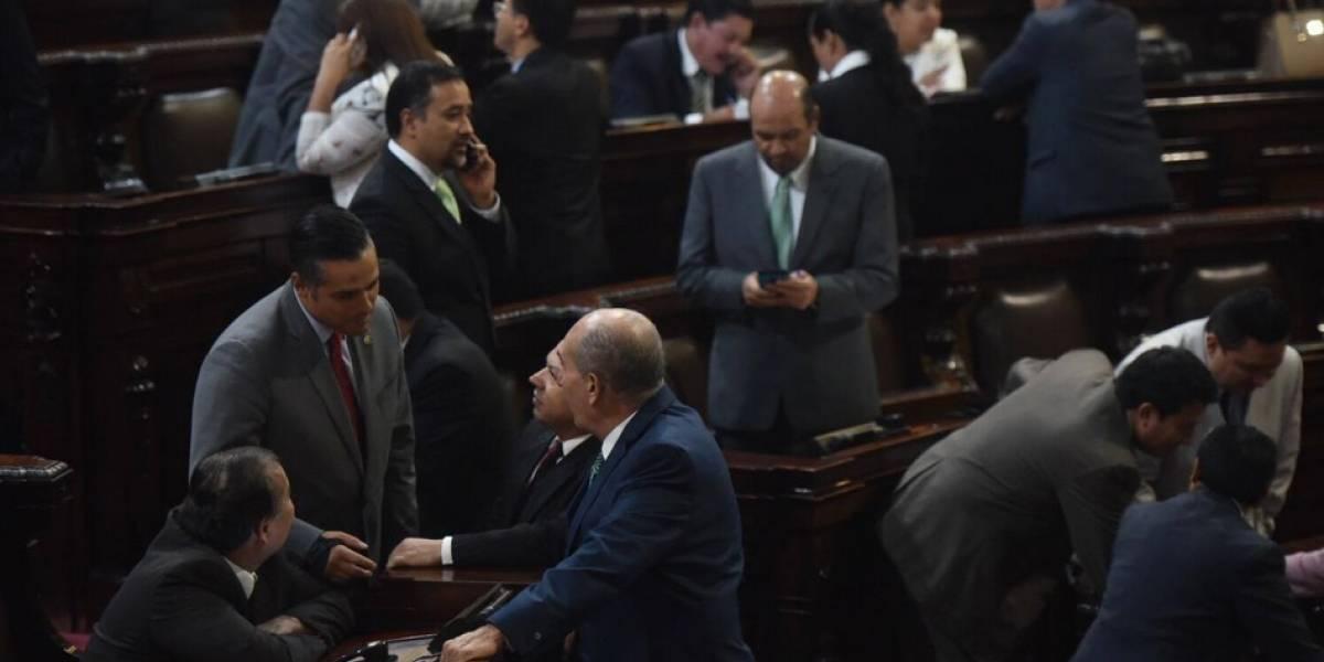 Bancada oficialista fracasa en primer intento para discutir el presupuesto
