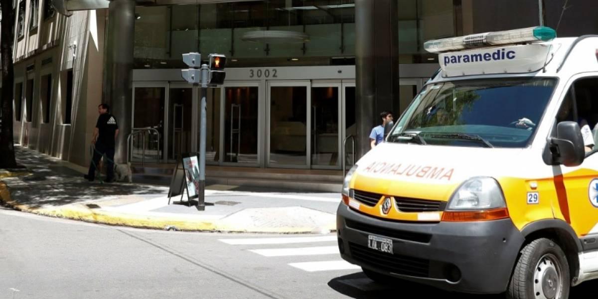 Policía sorprende a un conductor de ambulancia haciendo un trasteo