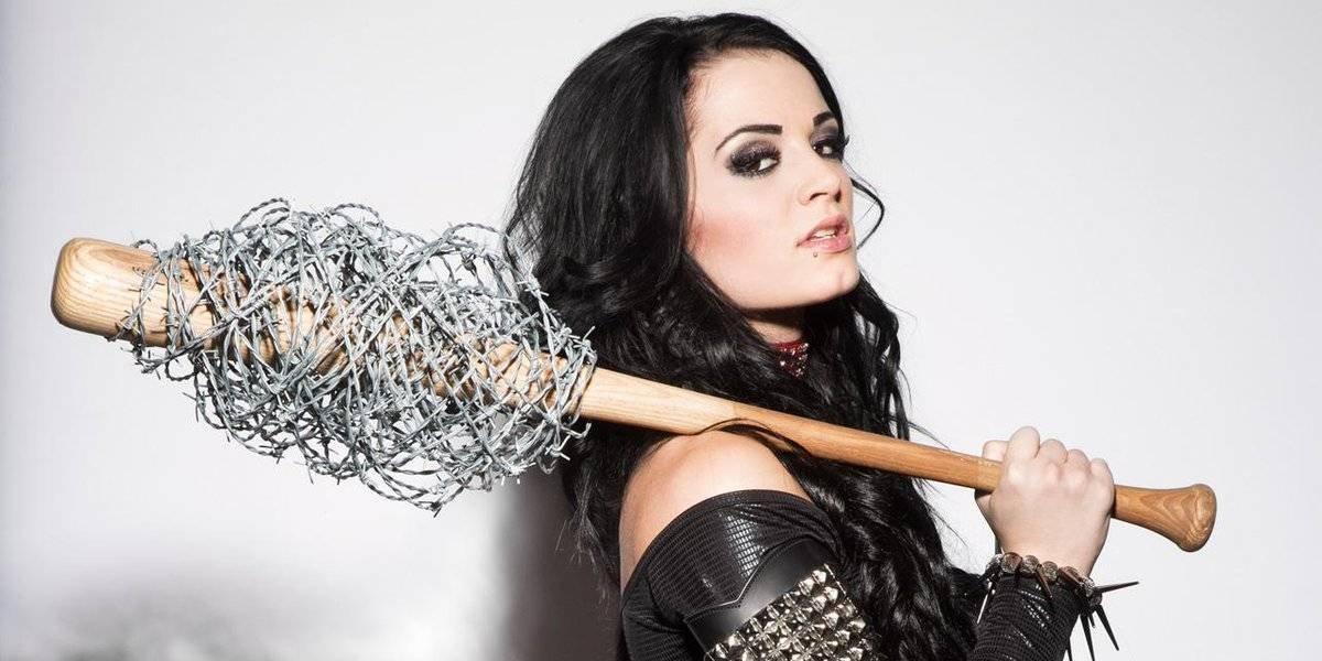 Regresa Paige a la WWE de manera escandalosa y sin ganas de hacer amigas