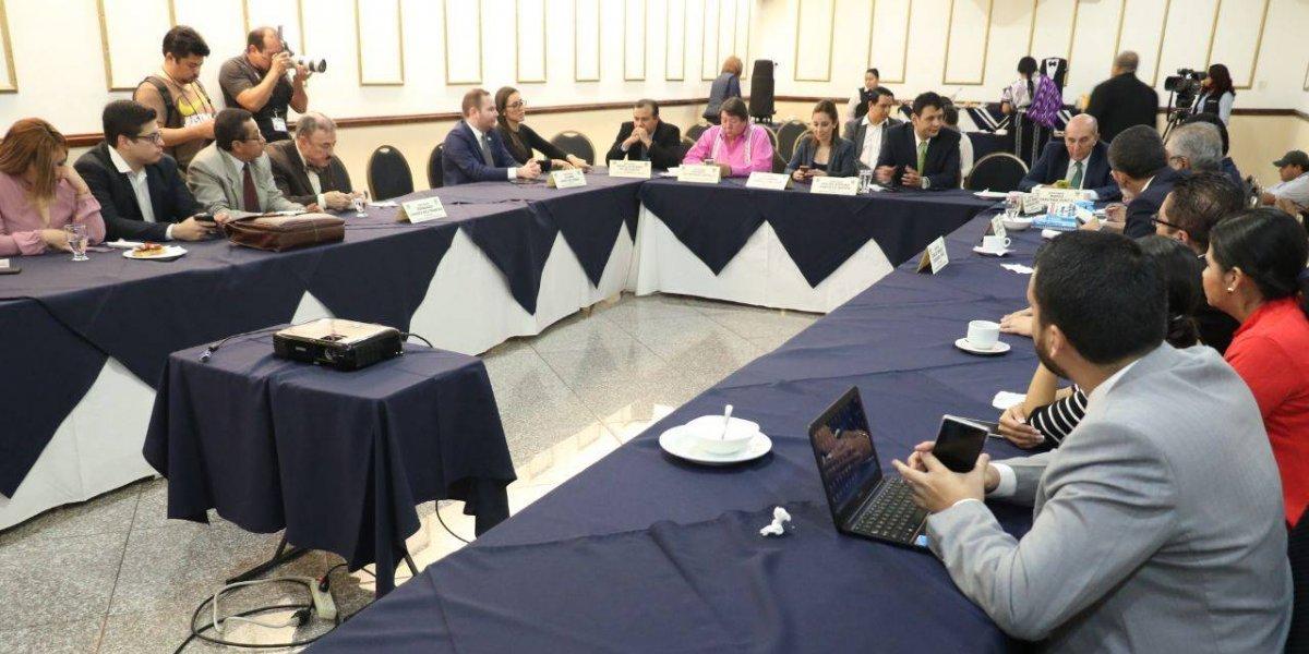 Dudas de los diputados atrasan dictamen de reformas electorales