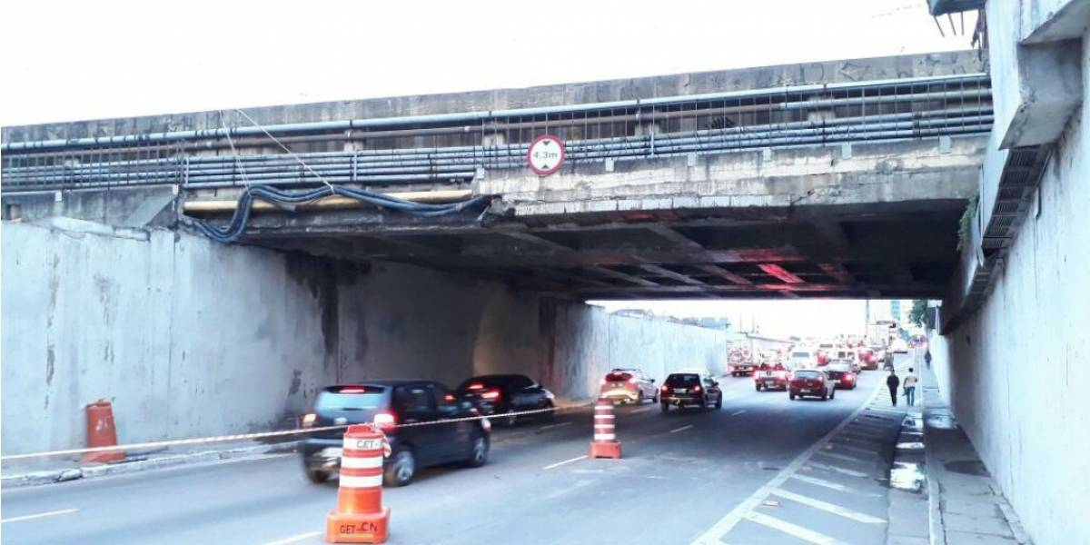 Linha 11 da CPTM é interrompida para manutenção de viaduto