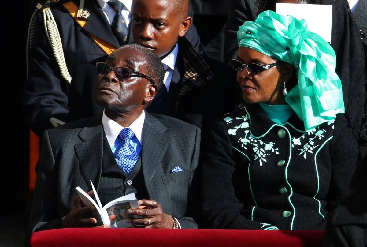Robert Mugabe junto a Grace, de 52 años.