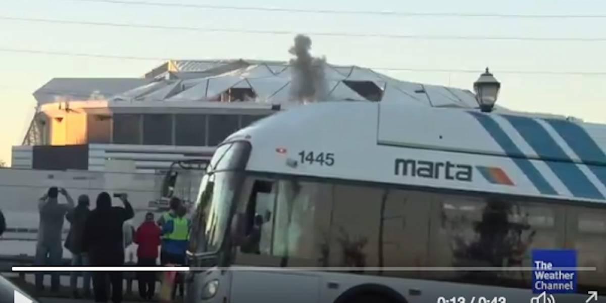 VIDEO: Autobús bloquea toma de tv en el momento de la implosión del Georgia Dome