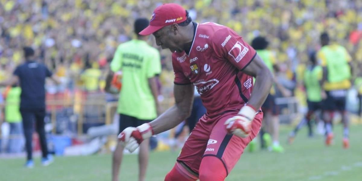 Máximo Banguera, se queda o se va de Barcelona SC