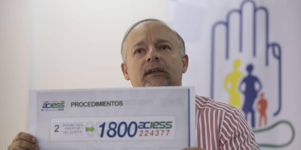 Richard Espinosa impugnará su destitución, confirmada por Contraloría