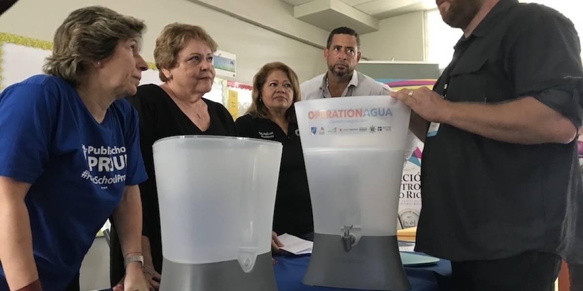 Organización anuncia que 400 escuelas contarán con filtros de agua