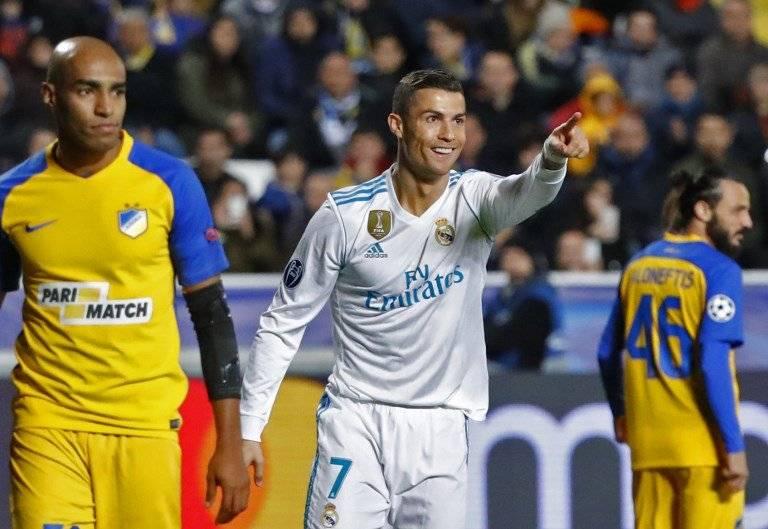Cristiano Ronaldo anota ante el APOEL