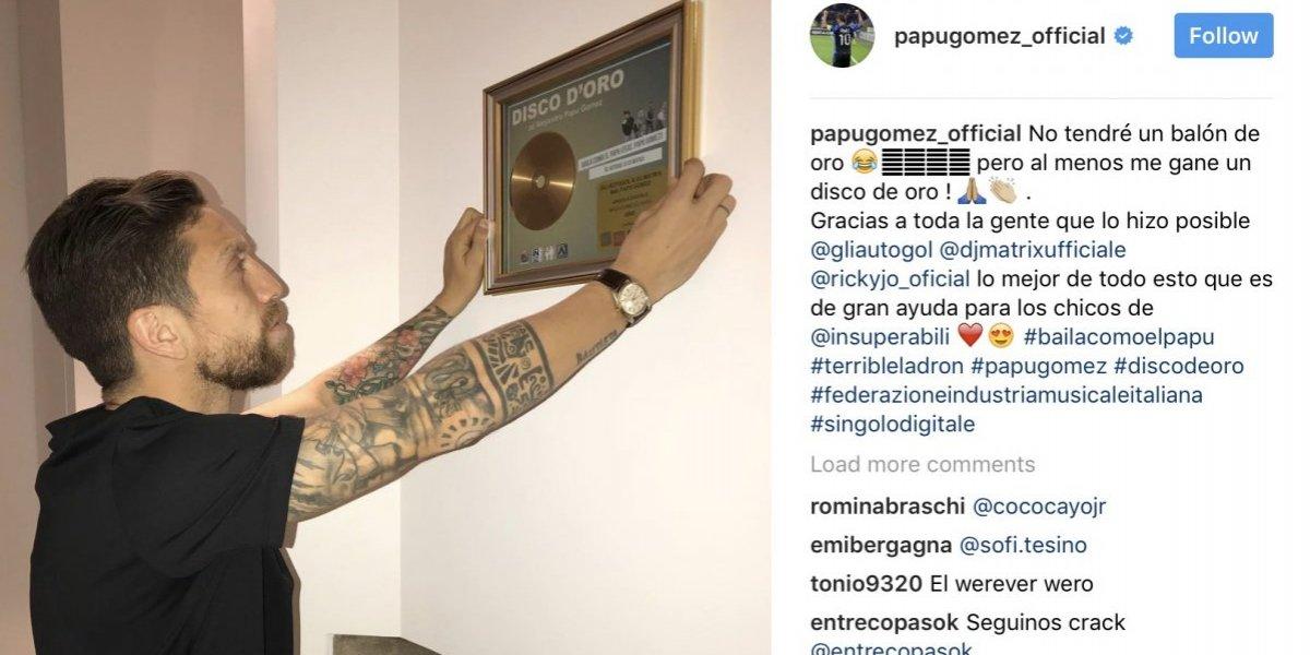 El 'Papu' Gómez gana disco de oro por canción creada para él