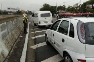 Polícia encontra Kombi com R$ 25 milhões em multas e mais de 2 mil infrações