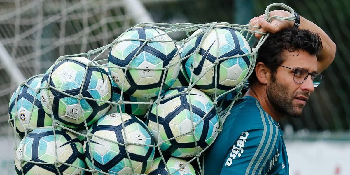 Alberto Valentim decide deixar o Palmeiras