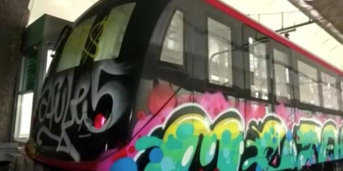 ¡Increíble!: Rayaron totalmente nuevo vagón de la Linea 6 del Metro
