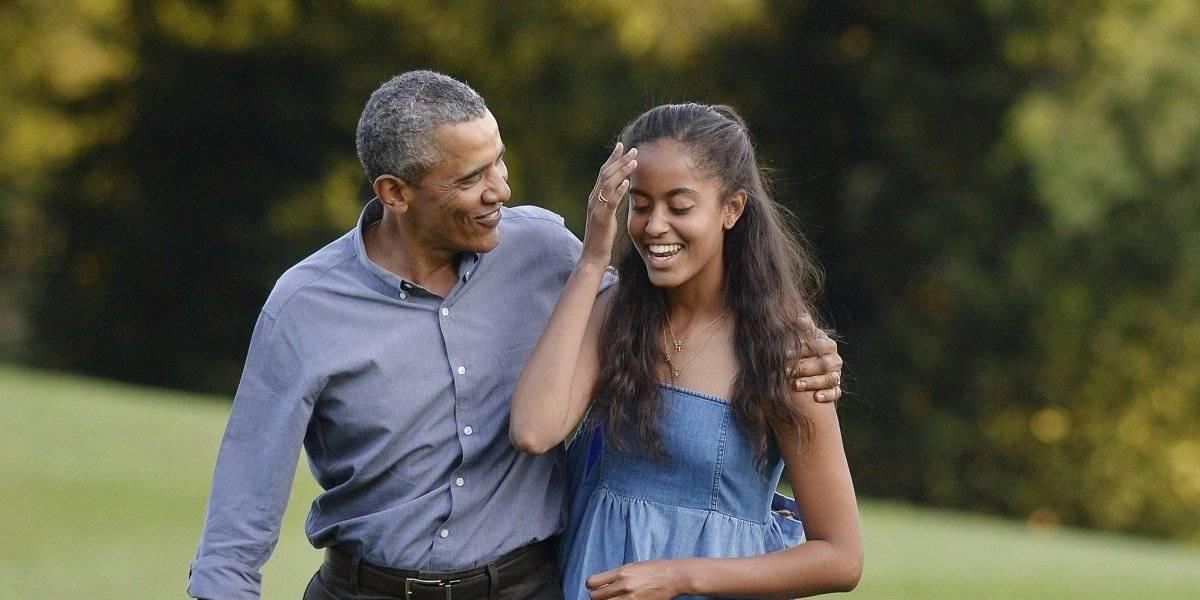 Captan a hija de Obama besándose con un joven en la Universidad de Harvard