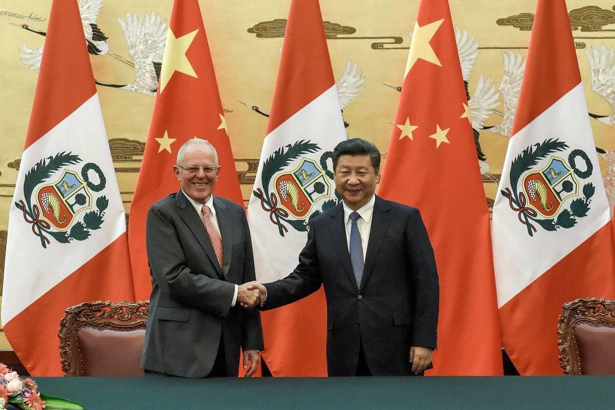 El presidente de Perú, Pedro Pablo Kuczynski, y Xi Jinping, su par de China.