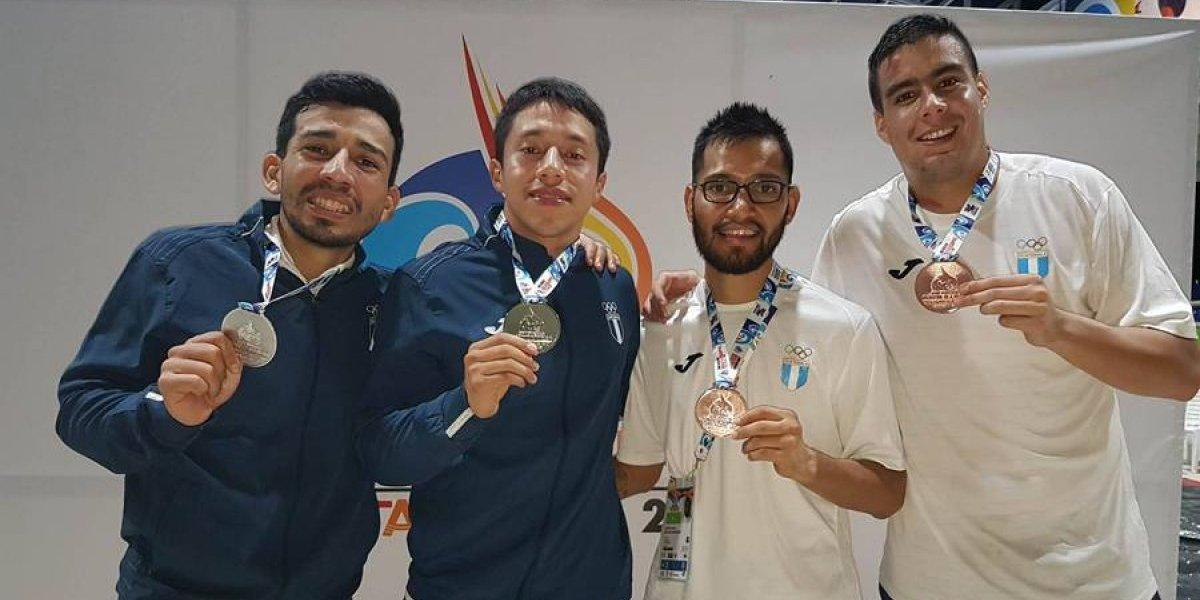 Karatecas nacionales brillan con oro, plata y bronce en Colombia