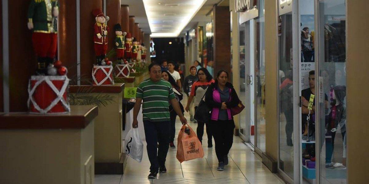 """Muchas ofertas, premios y actividades en el """"Viernes blanco"""" de Los Próceres"""