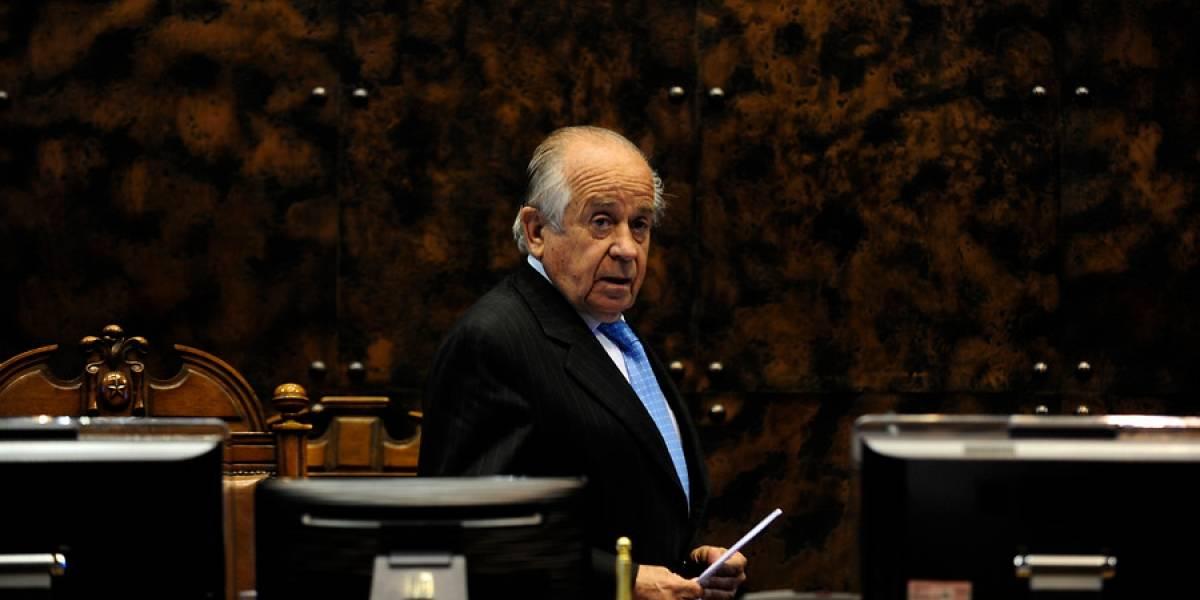 Perdió en las elecciones y es investigado por tráfico de migrantes y cohecho: el incierto panorama de Andrés Zaldívar