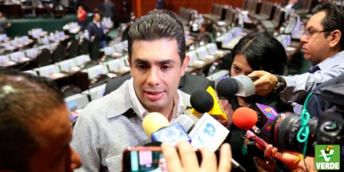 Roban iPhone a diputado del Verde... de su curul en San Lázaro