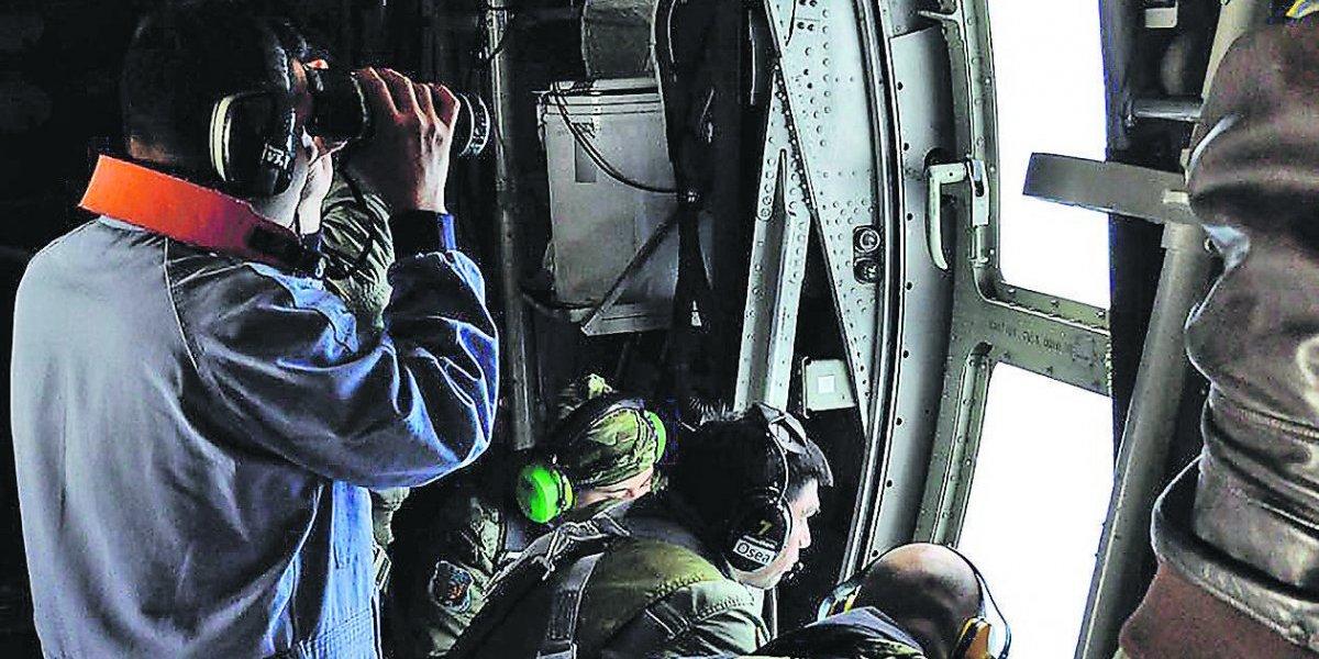 Los 33 mineros chilenos no son indiferentes a los 44 marinos argentinos del submarino