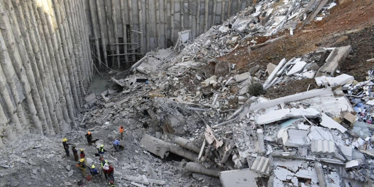 Obra fallida provoca derrumbe de 4 casas en Monterrey; hay un muerto y cuatro desaparecidos