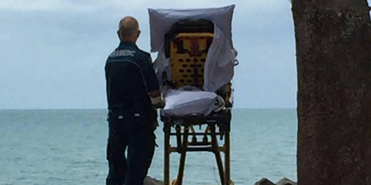 La foto que conmueve a un país: paramédico cumple última voluntad de paciente terminal