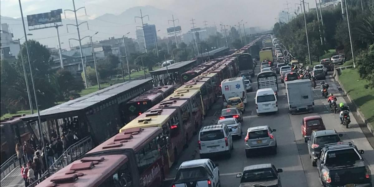 ¡Atención! Choque entre tres buses de Transmilenio deja varias personas heridas