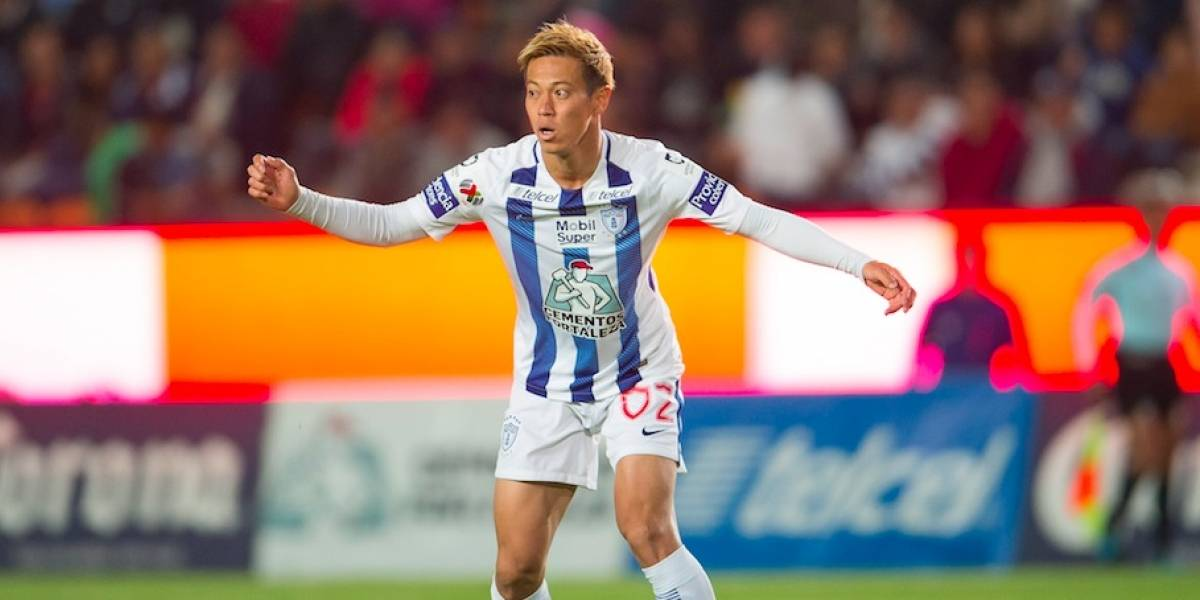Keisuke Honda ve a jugadores del Pachuca en Europa